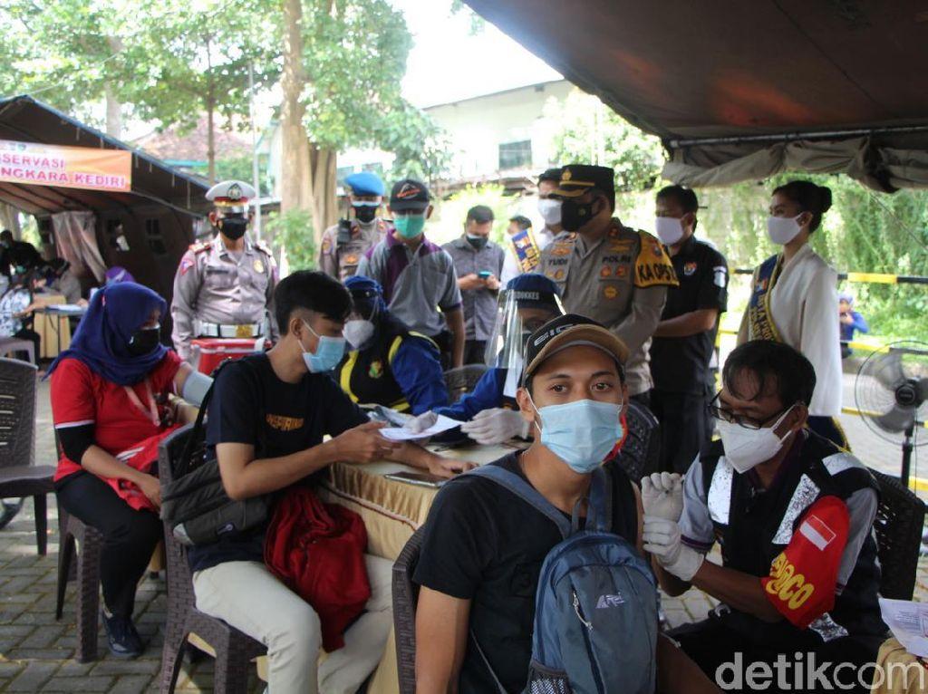 Semangat Vaksinasi COVID-19 di Kota Kediri Jelang HUT RI