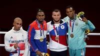 Medali Perak Bikin Petinju Ini Tak Puas, Mau Dicat Jadi Warna Emas?