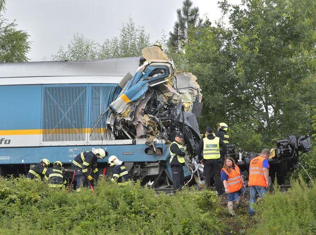 Ngeri! Ada Kecelakaan Kereta di Republik Ceko, 2 Penumpang Tewas