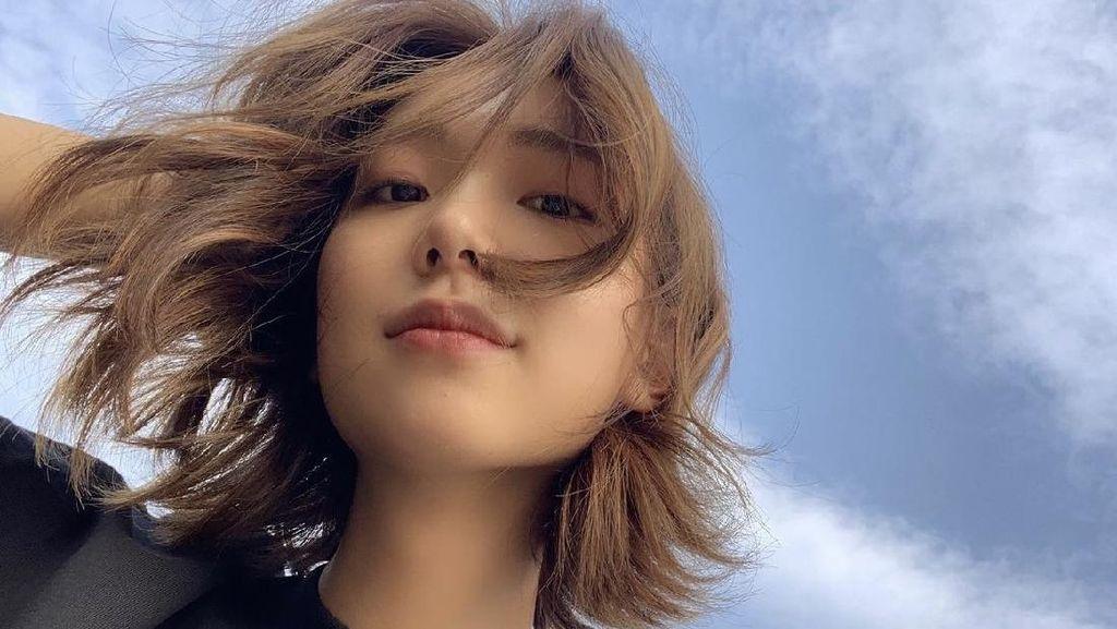 8 Foto Lee Ho Jung, Aktingnya Suka Sesama Jenis di Nevertheless Curi Atensi