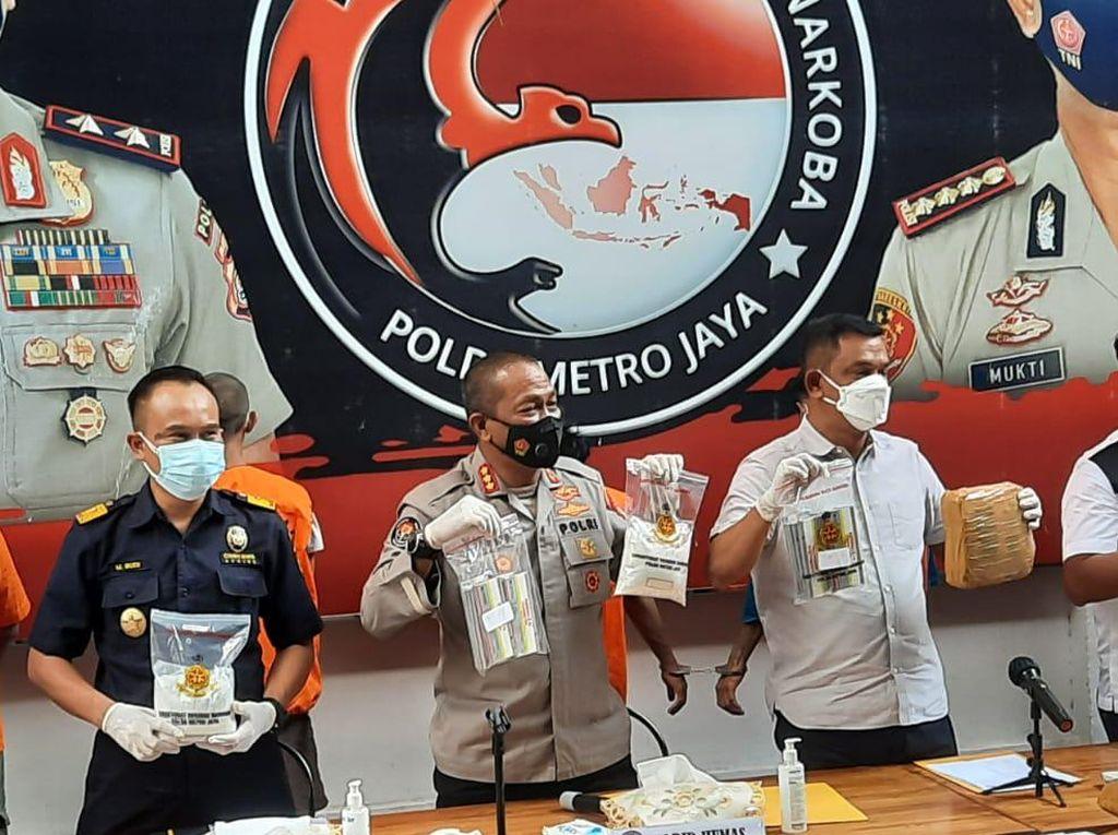 Obat COVID yang Ditimbun Perawat-Apoteker di Jakarta Dijual Rp 40 Juta
