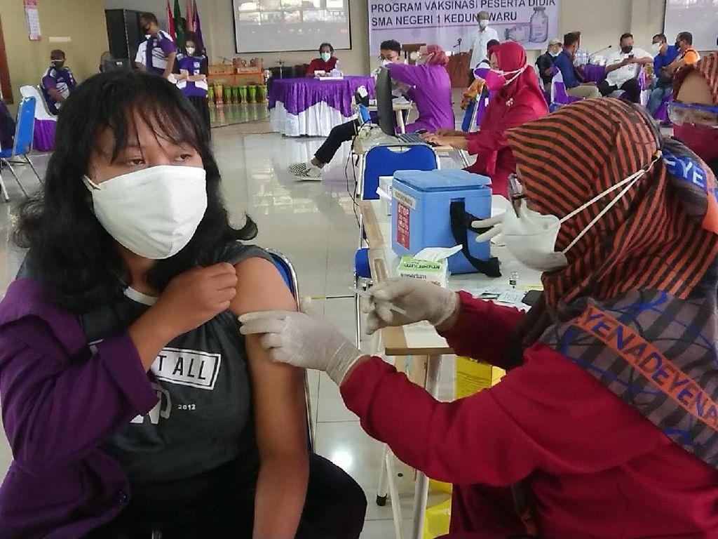 1.000 Pelajar SMA/SMK Tulungagung Jalani Vaksinasi COVID-19