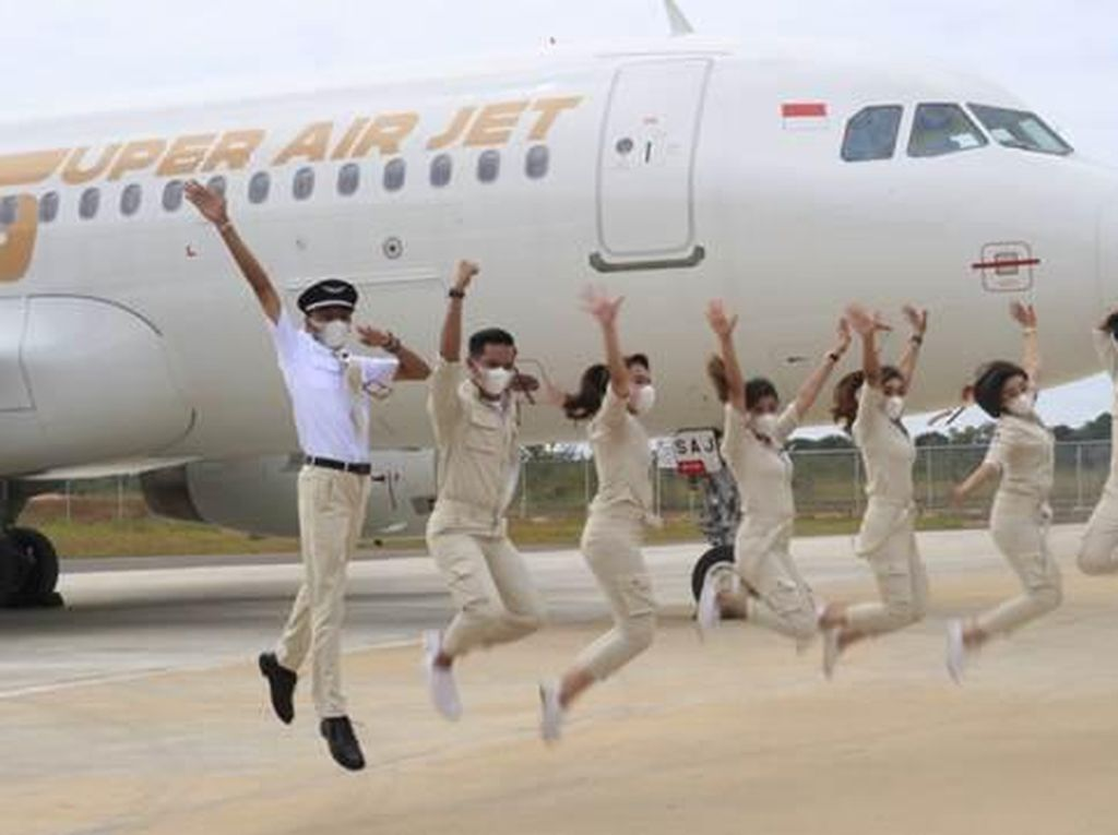 Super Air Jet Resmi Terbang Perdana ke Medan dan Batam