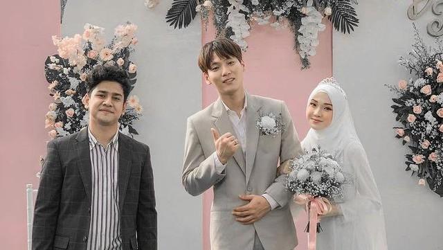 Syakir Daulay Hadir di Pernikahan Pasangan Mualaf Dae Hoon & Julia Prastini