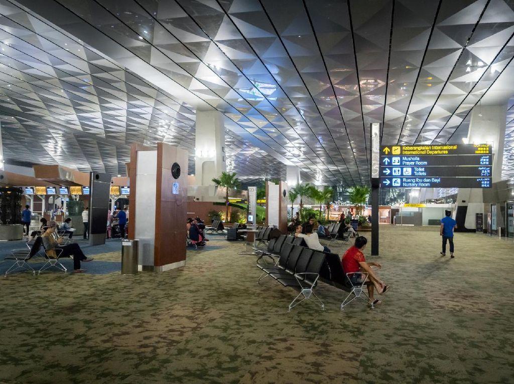 Syarat Penerbangan Terkini: Pakai Aplikasi PeduliLindungi
