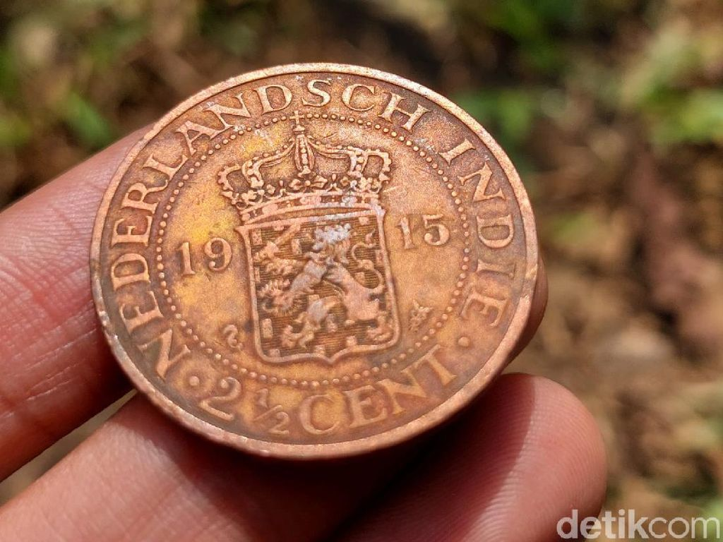 Disparbud Kaji Koin Kuno yang Ditemukan Warga di Bandung Barat
