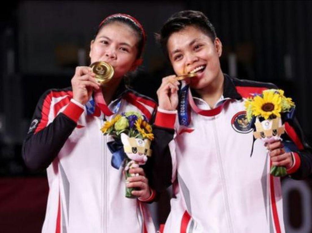 Atlet Perempuan, Medali Emas, dan Rona Merah di Pipi Rakyat