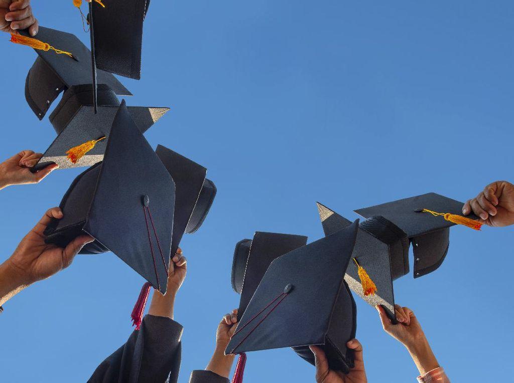 15 Jurusan Kuliah Paling Diminati Tahun 2021 dan Kisaran Gajinya di Masa Depan