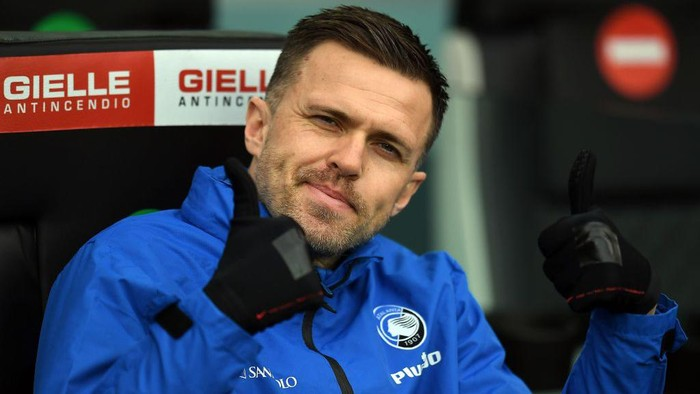 UDINE, ITALY - JANUARY 20:  Josip Ilicic of Atalanta BC  gestures during the Serie A match between Udinese Calcio and Atalanta BC at Dacia Arena on January 20, 2021 in Udine, Italy. (Photo by Alessandro Sabattini/Getty Images)