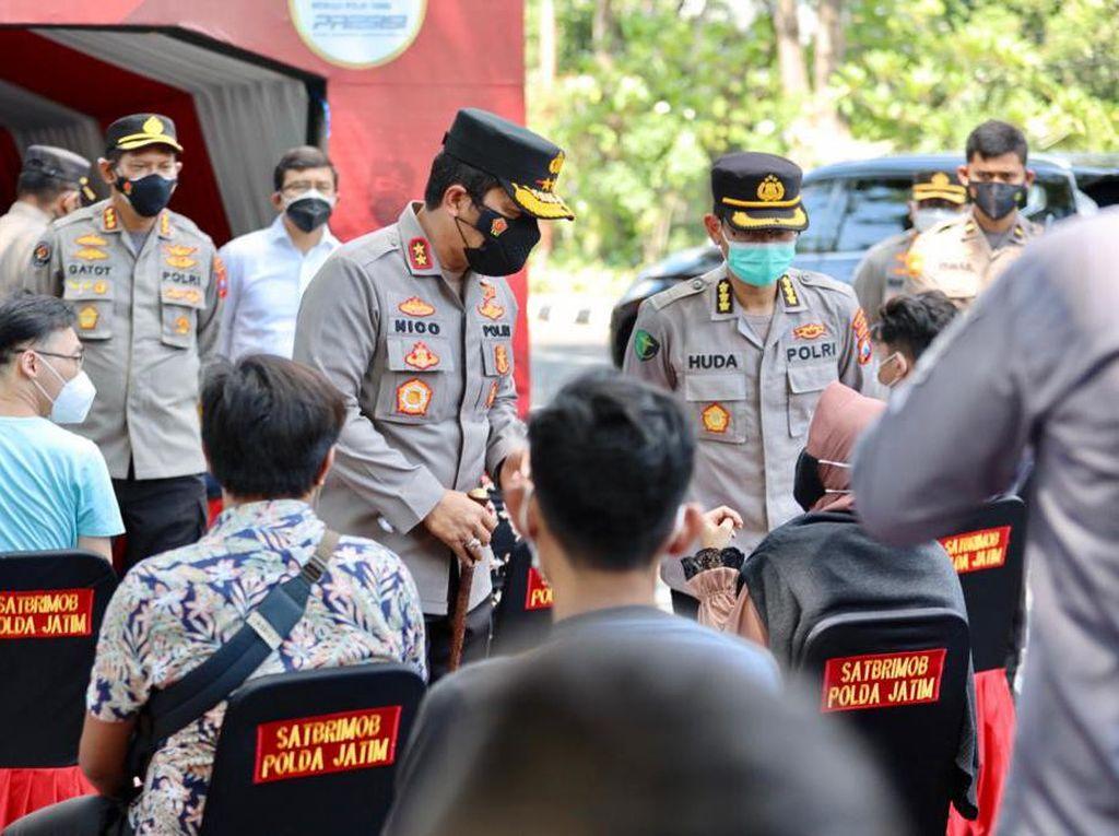 Wujudkan Herd Immunity di Jatim, 7.538 Orang Telah Divaksin di Taman Bungkul