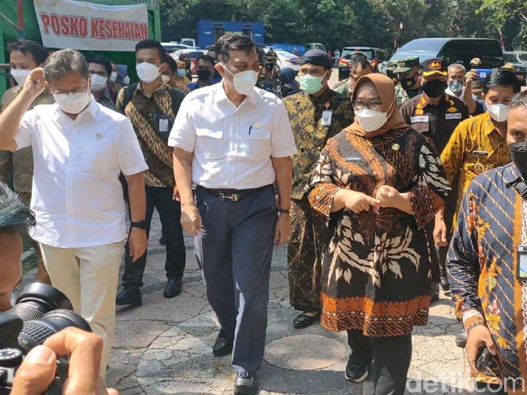 Luhut: Bulan Agustus Vaksinasi 72 Juta Penduduk Indonesia