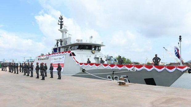 TNI Angkatan Laut (AL) menambah satu armada kapal perang bernama 'KRI Pollux-935', produksi PT Karimun Anugerah Sejati (KAS).