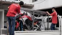 Unboxing Moge Ducati Multistrada V4S, Pertama di Indonesia!