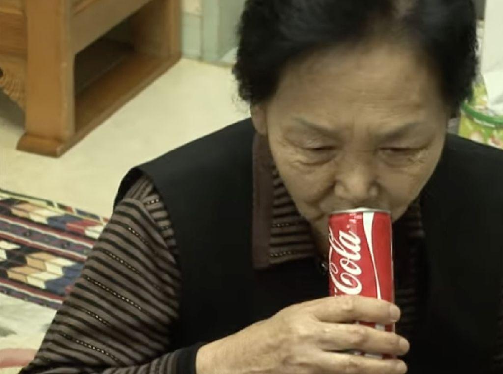Wow! Nenek Ini Minum 150 Ribu Kaleng Cola dalam 40 Tahun Terakhir