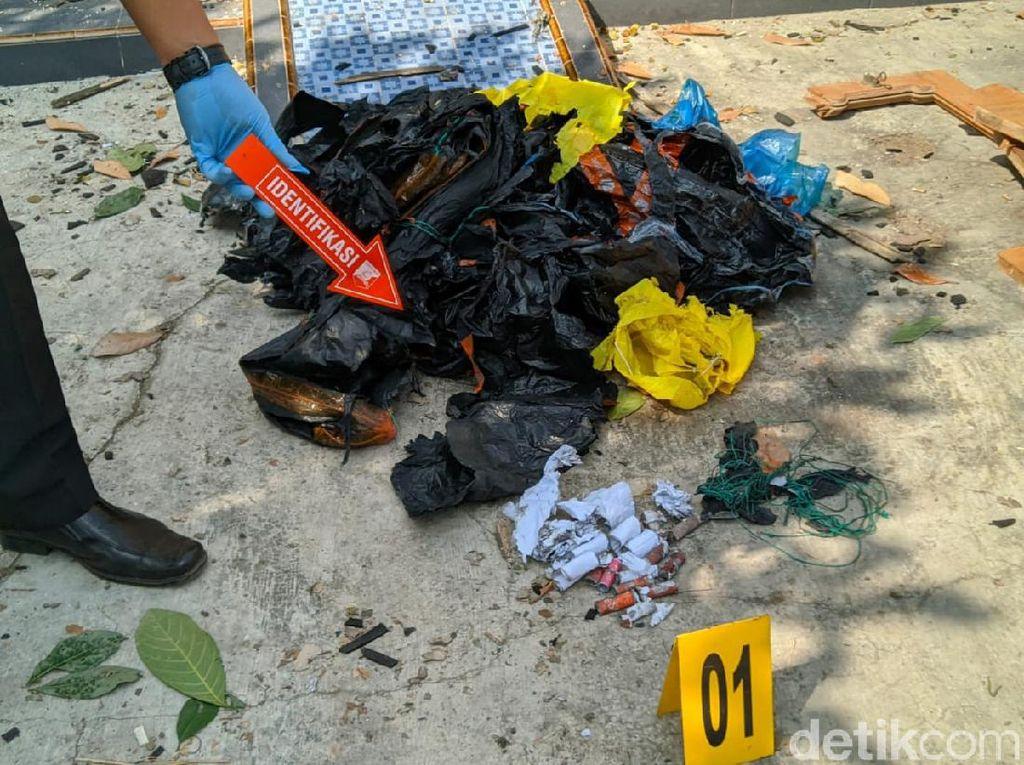Polisi Amankan 20 Barang Bukti dari Lokasi Ledakan Balon Udara di Ponorogo