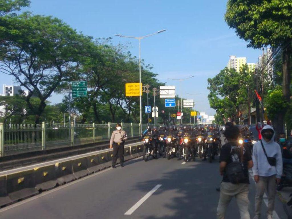 Dicegat Polisi, HMI Muis Tak Jadi Demo ke Istana