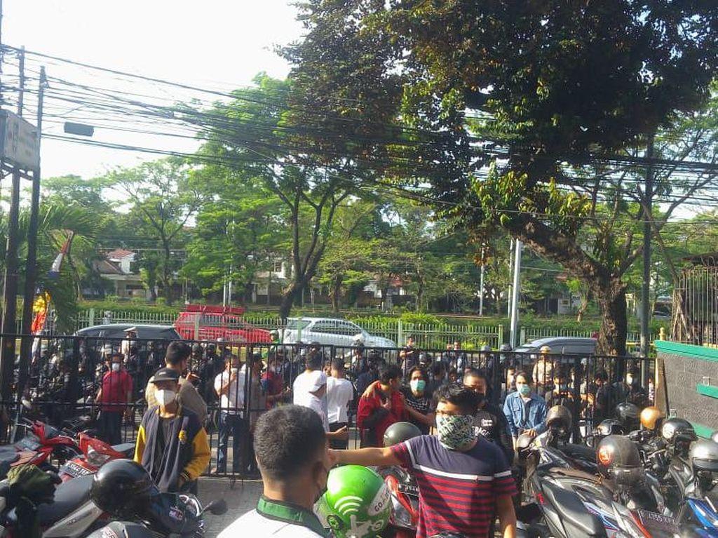 Suasana Saat Polisi Jaga Markas HMI Agar Tak Demo di Istana