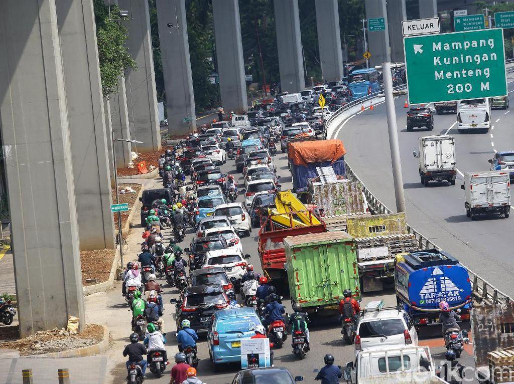Data Perbandingan Mobilitas Jakarta dari PPKM Mikro-PPKM Level 4
