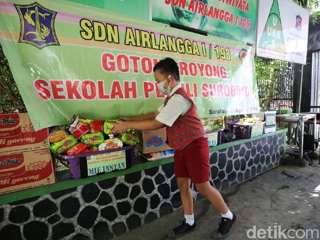 Siswa SD di Surabaya Kumpulkan Donasi Bantu Warga Terdampak Pandemi