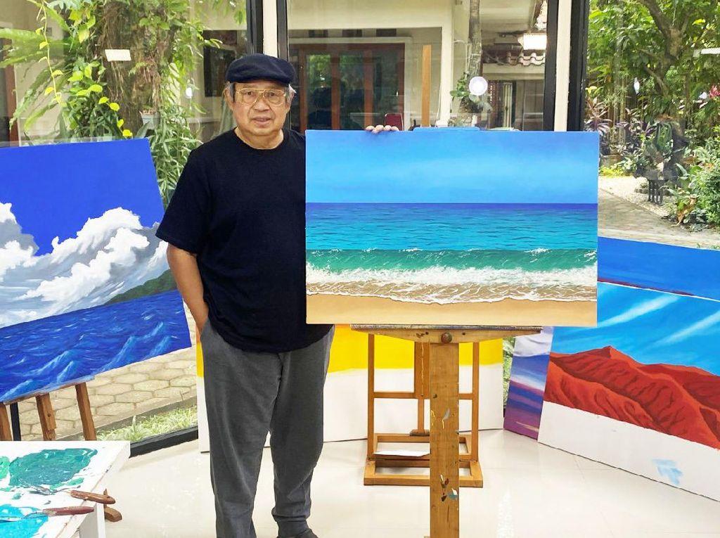Obat Hati SBY Ditinggal Bu Ani Lewat Coretan di Kanvas Putih