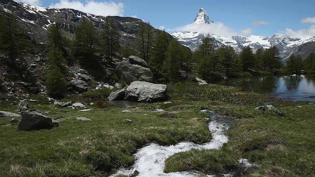 Nggak Punya Pantai, Ini 10 Wisata Keren di Swiss
