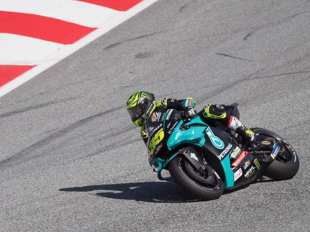 Mengapa Motor MotoGP Pakai Ban Botak Tanpa Alur?