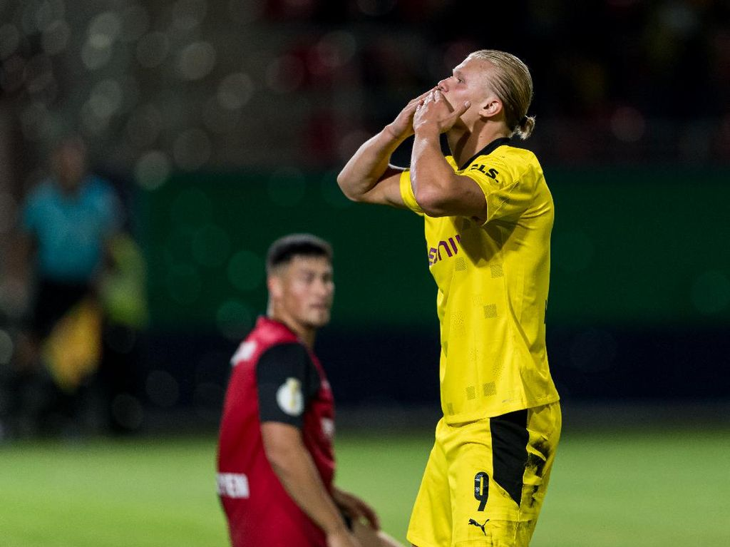 DFB Pokal: Haaland Hat-trick, Dortmund Sikat Wiesbaden