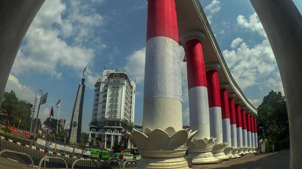 Kala Gerbang Sembilan Berbalut Saka Merah Putih