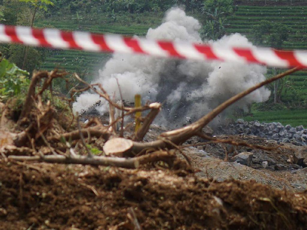 Peledakan Tebing Proyek Bendungan Bagong Trenggalek Dihentikan Sementara