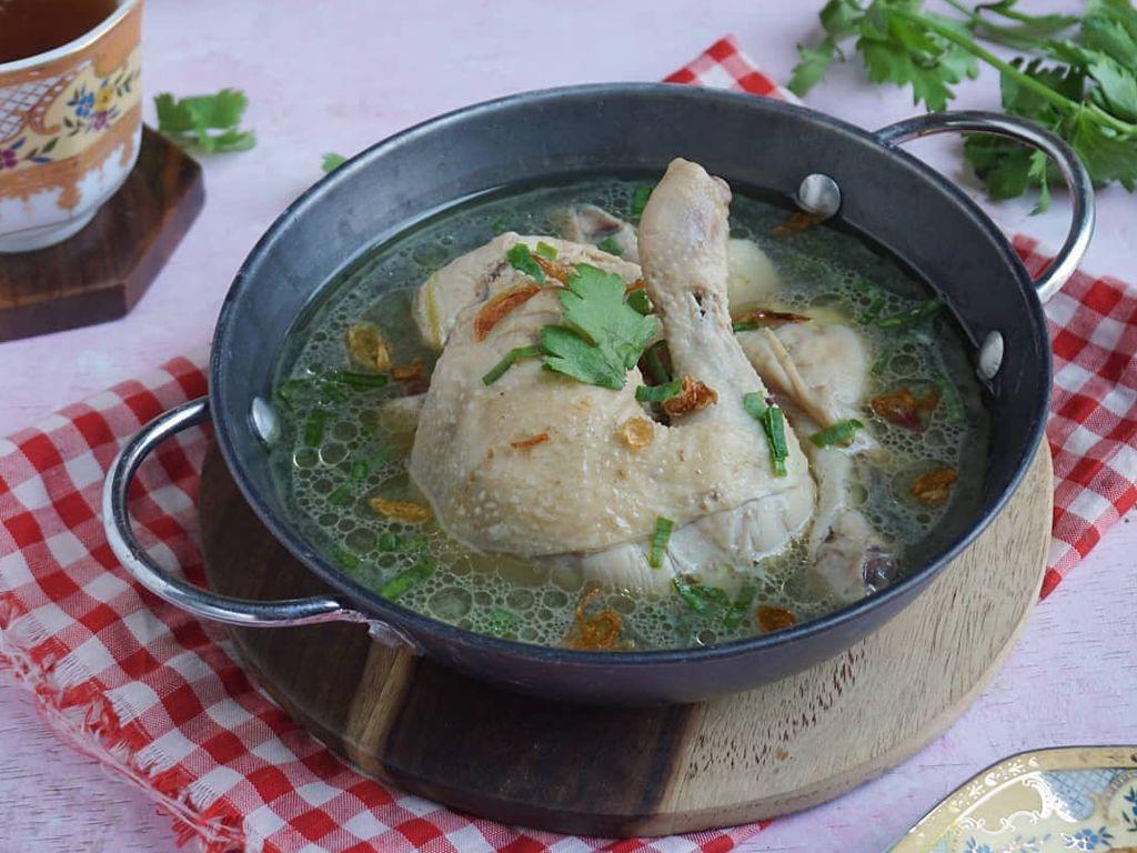Resep Pembaca: Sop Ayam Bening yang Kuahnya Gurih Alami dan Segar