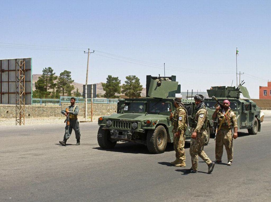 Taliban Kian Ganas, Puluhan Tentara Afghanistan Kabur ke Uzbekistan