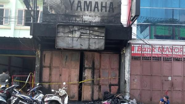 Bengkel Intan Jaya Motor di Tangerang Kebakaran dan mengakibatkan 3 orang tewas (Kadek Melda/detikcom)