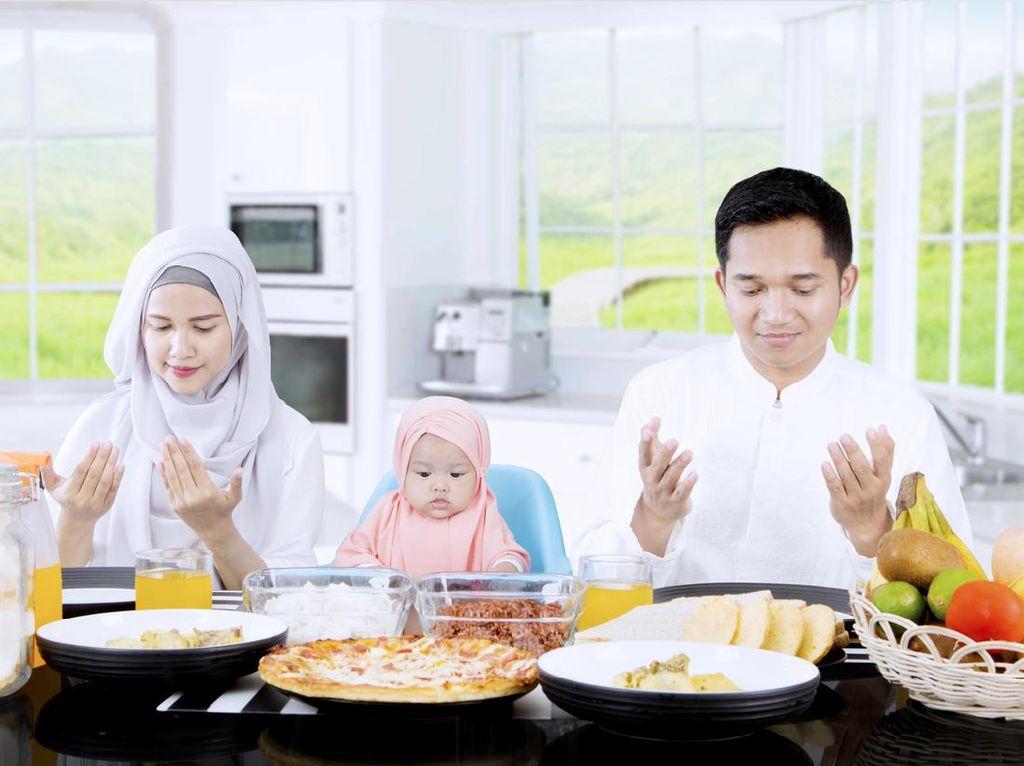 Ikuti Adab Makan dalam Islam Agar Kenyang dan Berlimpah Pahala