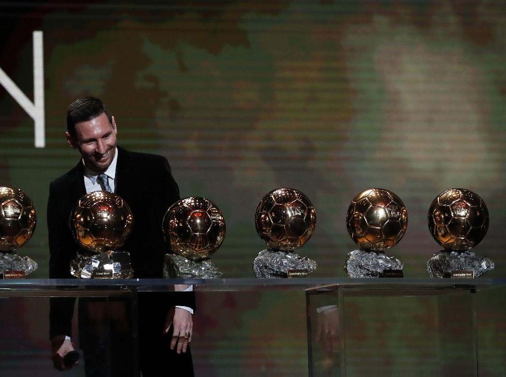 Melihat Lagi Deretan Trofi Lionel Messi di Barcelona