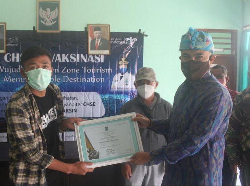 Pelaku Pariwisata di Sembalun Akhirnya Terima Dosis Vaksin Kedua