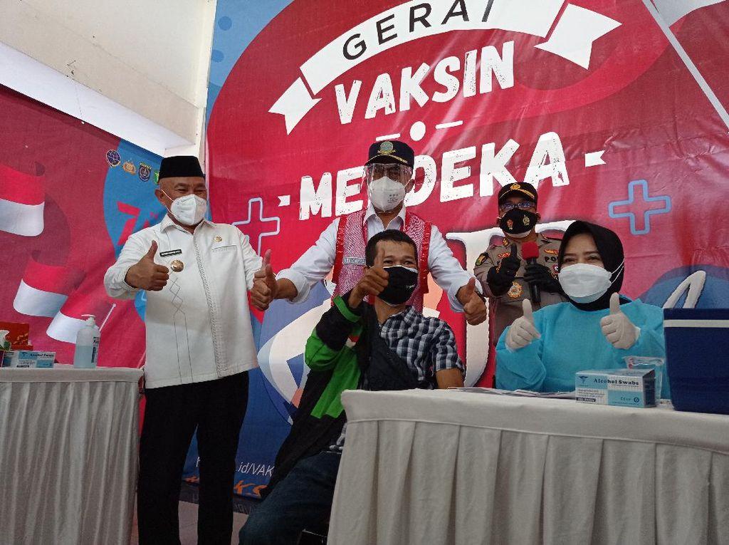 Tinjau Terminal di Depok, Menhub Minta Daerah Penyangga Tingkatkan Vaksinasi