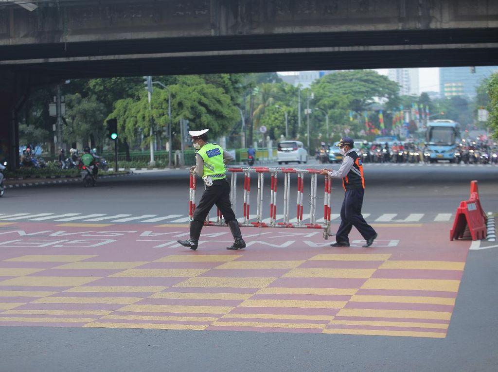 Cekcok Perwira Polisi-Bhabinkamtibmas Saat Penyekatan di Pekanbaru