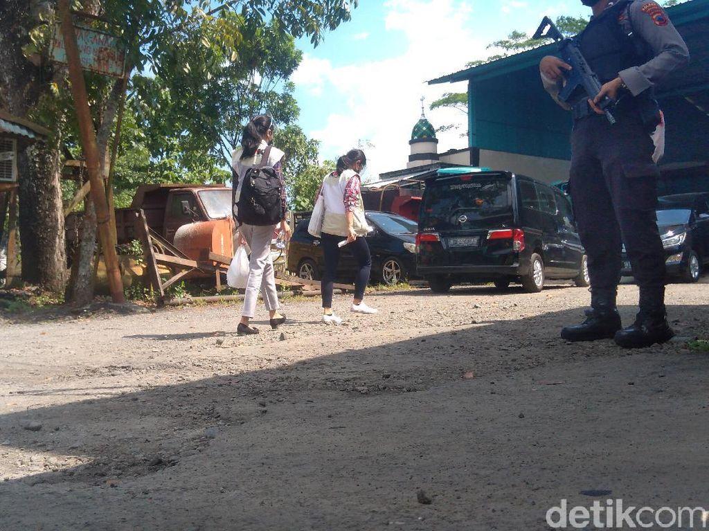 Petugas KPK Datangi Basecamp Perusahaan Pengolahan Aspal di Purbalingga