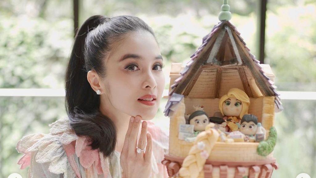 7 Momen Ultah Sandra Dewi ke-38, Kado Mewah Dari Suami Jadi Sorotan