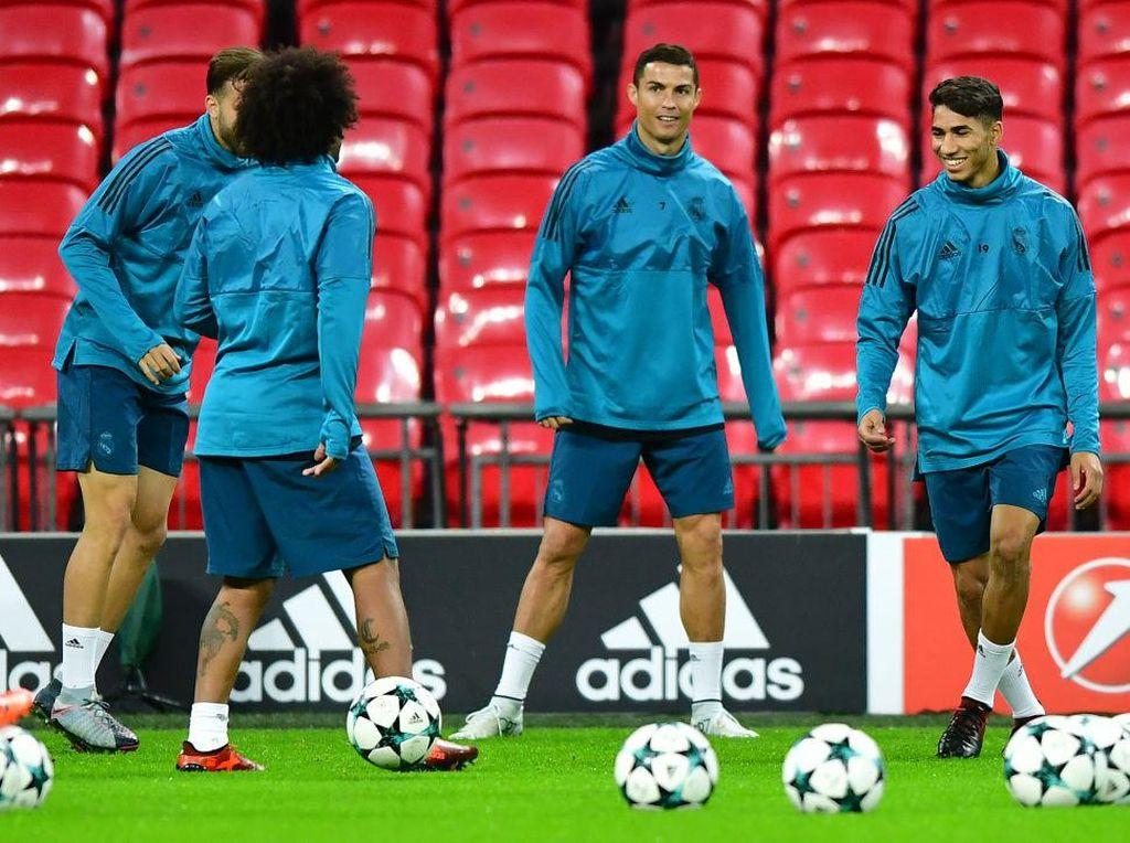 Gaji Cristiano Ronaldo Bukan Soal, MU Bisa Raup Cuan Lebih Gede