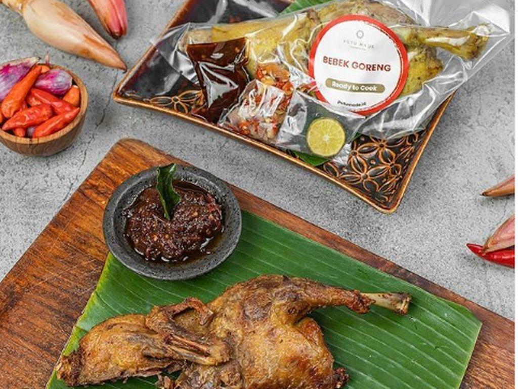 5 Restoran di Jakarta Ini Punya Bebek Goreng Bali Sambal Matah yang Sedap