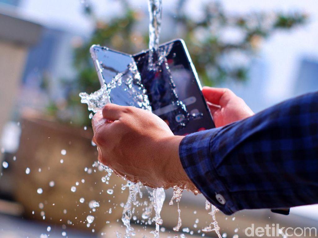 Samsung Galaxy Z Fold 3 5G, HP Layar Lipat Pertama di Dunia yang Tahan Air