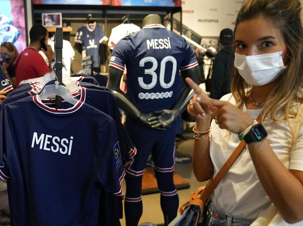 Andai Pak RT Punya Gaji Seperti Messi...
