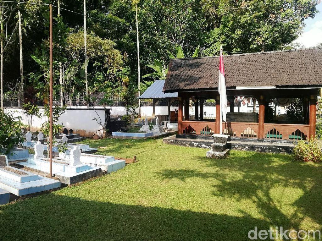 Menengok Makam Pahlawan Nasional Aceh Cut Nyak Dien