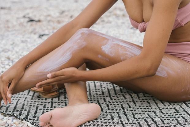 Rangkaian skincare dan asupan makanan yang bergizi mempengaruhi kesehatan kulitmu selama musim kemarau.