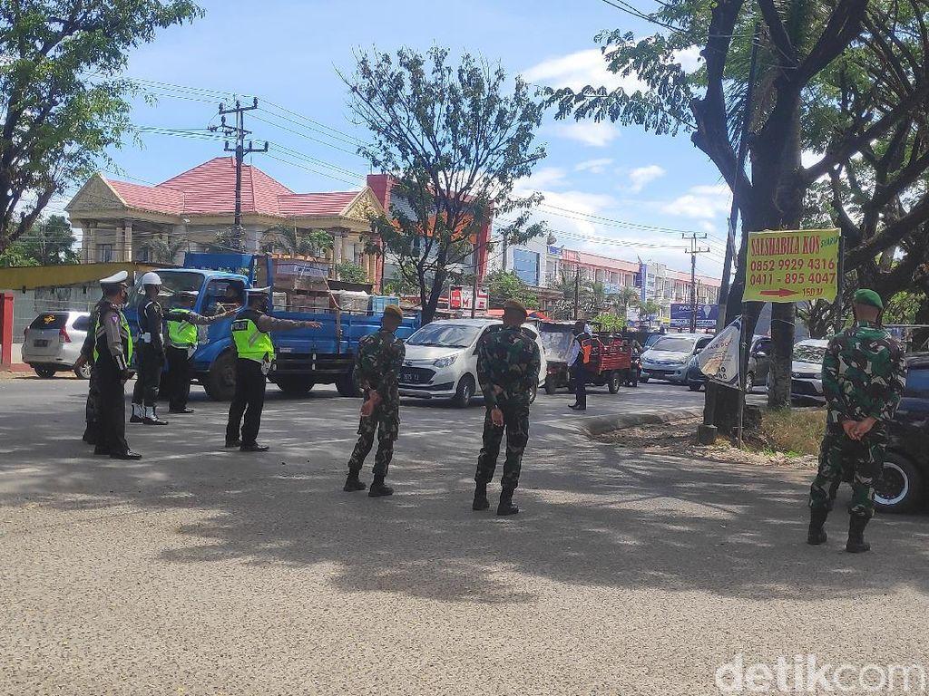 Pemkot Makassar Lakukan Tes Antigen ke Pengendara di Perbatasan