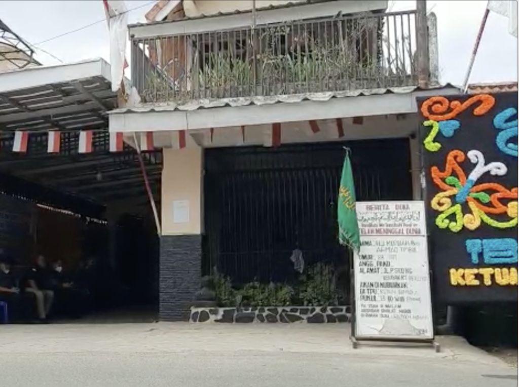 Suasana Rumah Duka Ibunda Mendagri Tito Karnavian