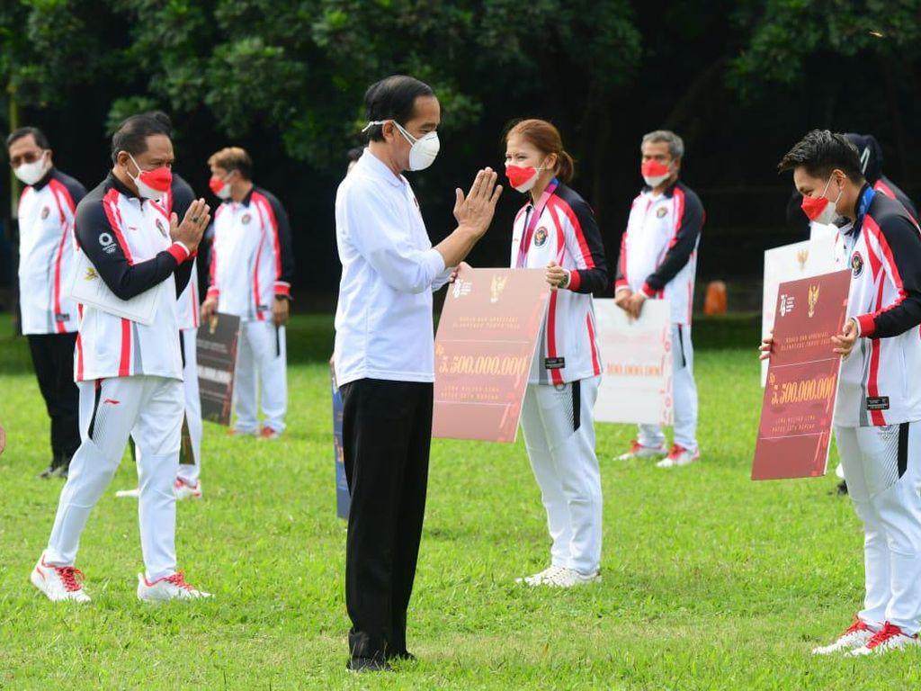 Greysia/Apriyani Dapat Bonus Rp 5,5 M dari Presiden Jokowi