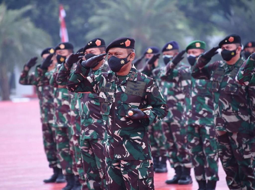 Survei Indikator: TNI Lembaga Paling Dipercaya, DPR-Parpol Peringkat Bawah