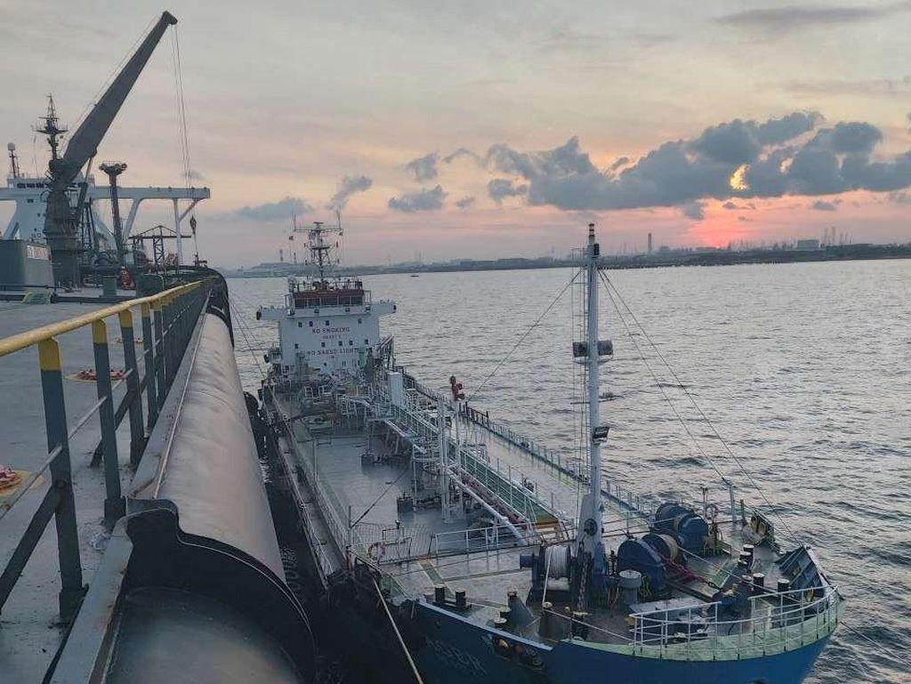 Pertamina Optimalkan Kapal VLCC PIONEER sebagai FSU di Tanjung Pelepas